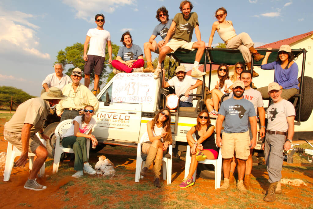 Sonrisas para Zimbabwe-Vignoletti